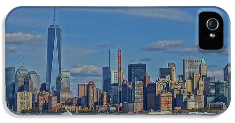 World Trade Center Painting IPhone 5 Case featuring the photograph World Trade Center Painting by Dan Sproul