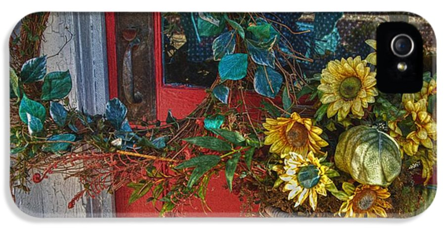 Alabama Photographer IPhone 5 Case featuring the digital art Wreath And The Red Door by Michael Thomas