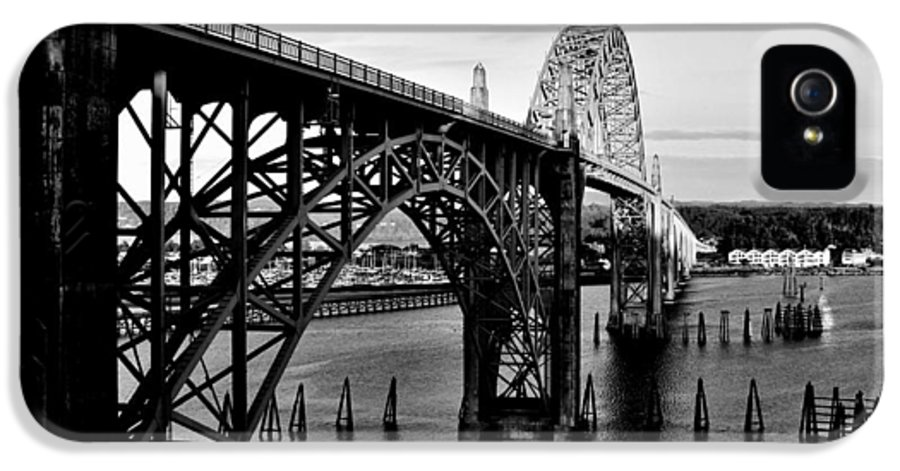 Oregon IPhone 5 Case featuring the photograph Yaquina Bay Bridge by Benjamin Yeager