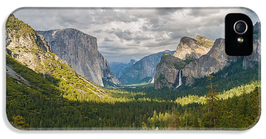 Adams IPhone 5 Case featuring the photograph Yosemite Valley by Sarit Sotangkur