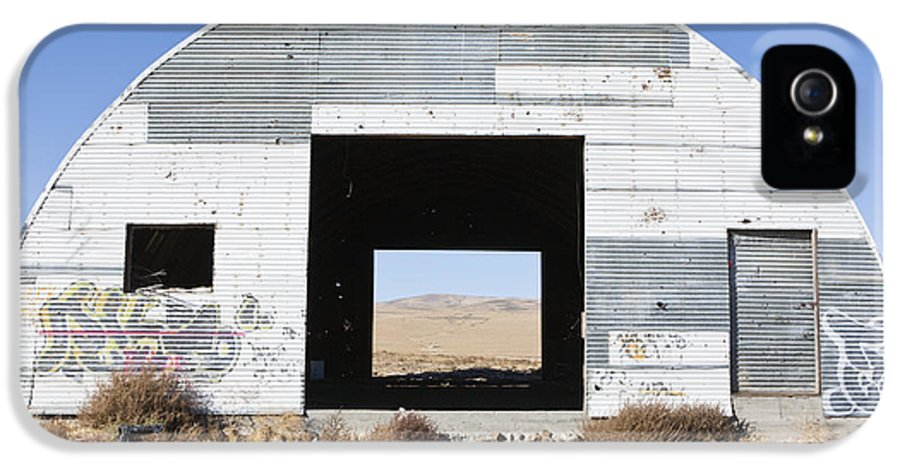 Abandoned IPhone 5 Case featuring the photograph Graffiti On Abandoned Equipment Shed by Paul Edmondson