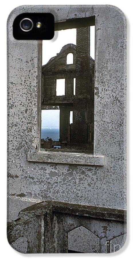 Alcatraz IPhone 5 Case featuring the photograph Alcatraz - Windows by Paul W Faust - Impressions of Light