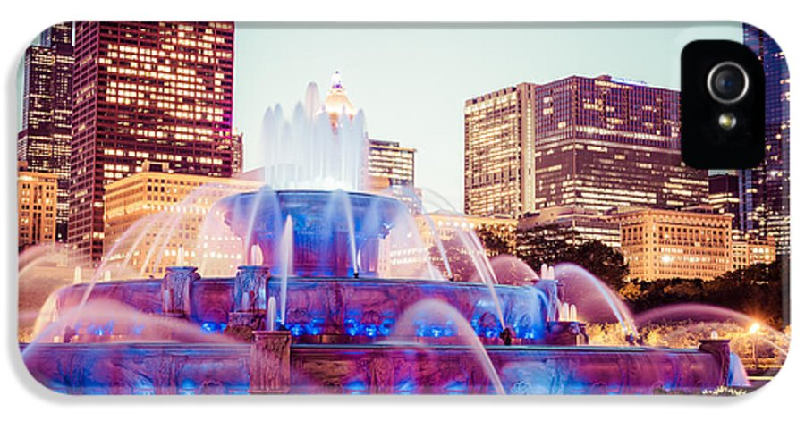 2012 IPhone 5 Case featuring the photograph Buckingham Fountain And Chicago Skyline At Night by Paul Velgos