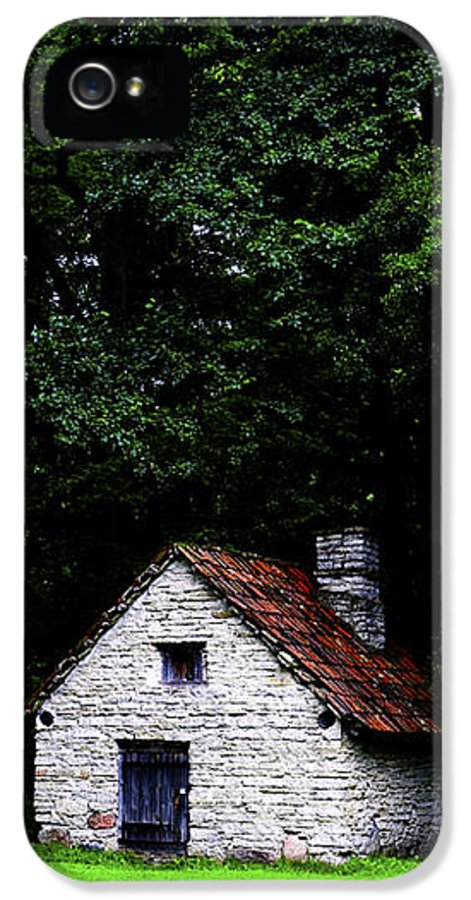 Architecture IPhone 5 Case featuring the photograph Cottage In The Woods by Fabrizio Troiani