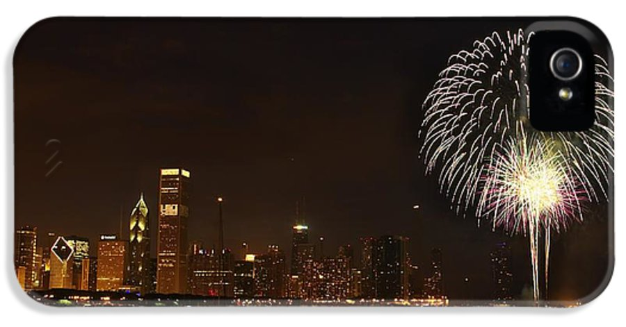 Horizontal IPhone 5 Case featuring the photograph Fireworks Against Chicago Skyline by Axiom Photographic