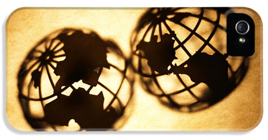 Silhouette IPhone 5 Case featuring the photograph Globe 2 by Tony Cordoza