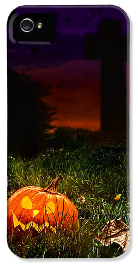Halloween IPhone 5 Case featuring the photograph Halloween Cemetery by Amanda Elwell