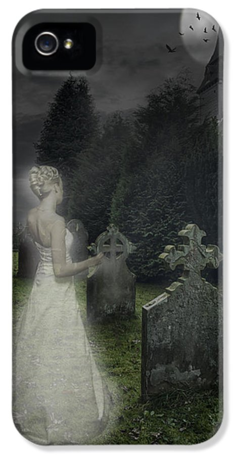 Haunted IPhone 5 Case featuring the photograph Haunting by Amanda Elwell
