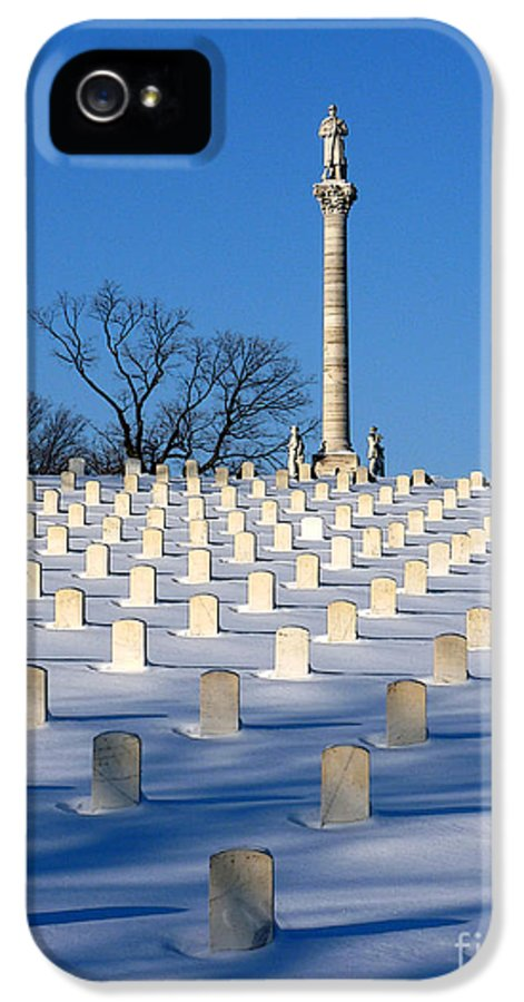 Dayton Ohio IPhone 5 Case featuring the photograph Heroes Peaceful Rest by David Bearden