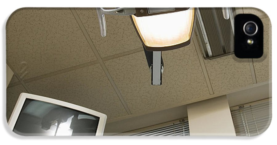 Business IPhone 5 Case featuring the photograph Looking Up At A Dentistry Light by Andersen Ross