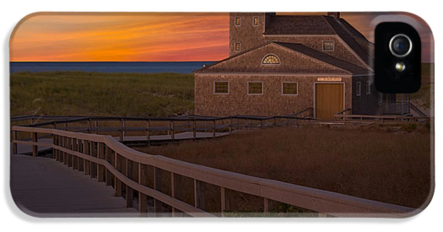 Old Harbor U.s. Life Saving Station IPhone 5 / 5s Case featuring the photograph Old Harbor U.s. Life Saving Station by Susan Candelario