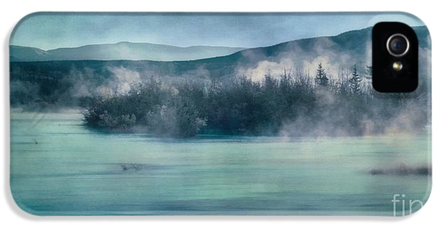 Yukon River IPhone 5 Case featuring the photograph River Song by Priska Wettstein