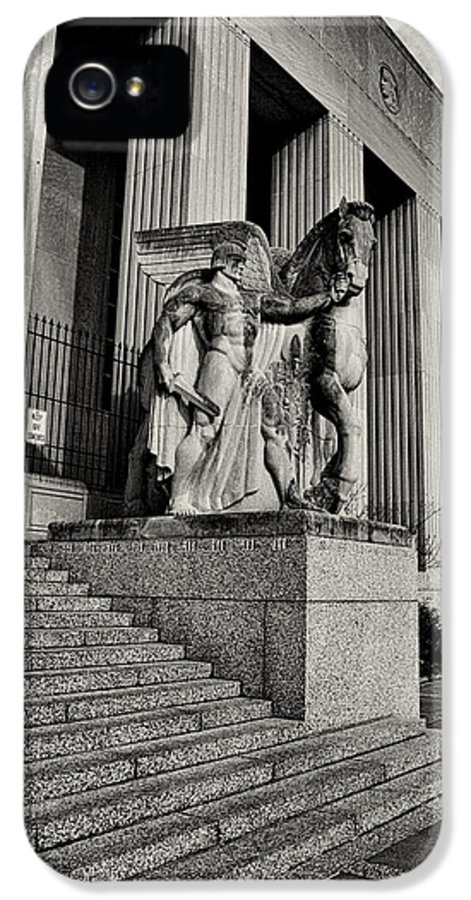 Statue IPhone 5 Case featuring the photograph Saint Louis Soldiers Memorial Exterior Black And White by Joshua House