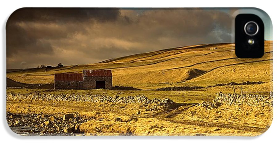 Agriculture IPhone 5 Case featuring the photograph Shed In The Yorkshire Dales, England by John Short