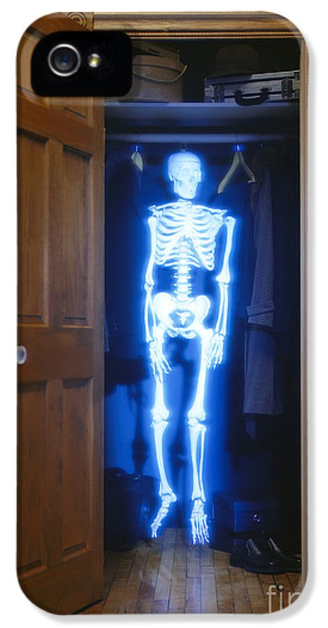 Skeleton IPhone 5 Case featuring the photograph Skeleton In The Closet by Tony Cordoza