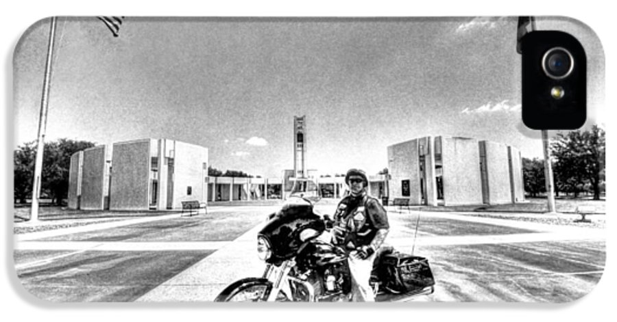 Patriot Guard Rider IPhone 5 Case featuring the photograph Standing Watch At The Houston National Cemetery by David Morefield