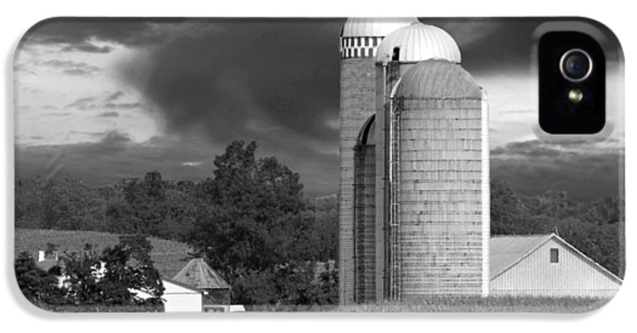 Farm IPhone 5 Case featuring the photograph Sunset On The Farm Bw by David Dehner