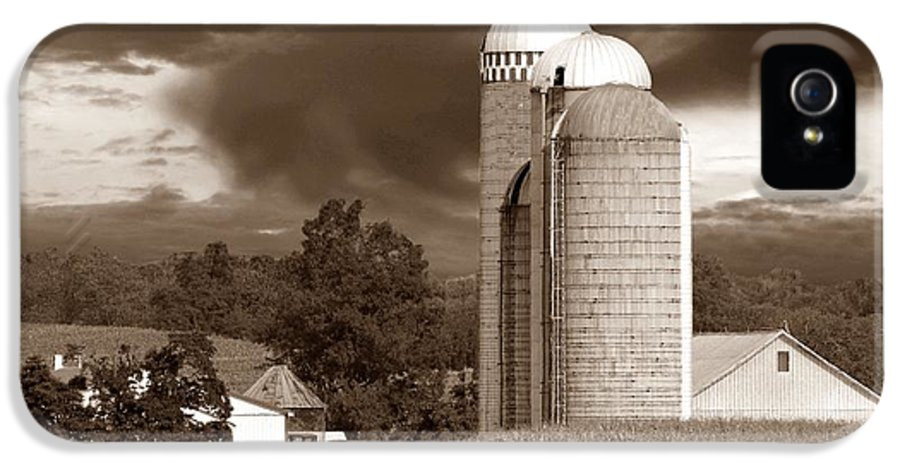 Farm IPhone 5 Case featuring the photograph Sunset On The Farm S by David Dehner