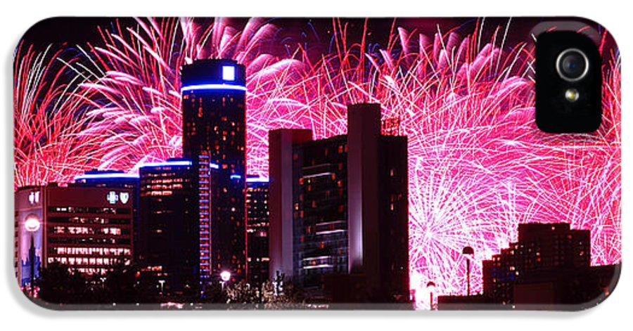 The IPhone 5 Case featuring the photograph The 54th Annual Target Fireworks In Detroit Michigan by Gordon Dean II