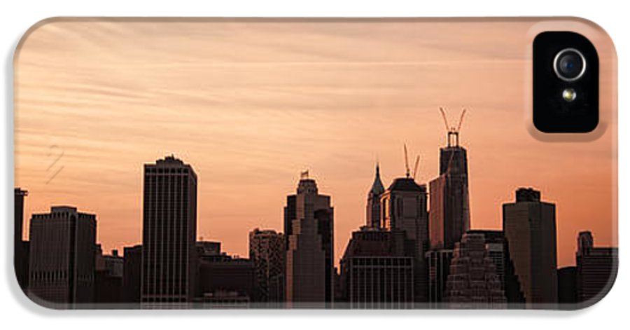 Manhattan IPhone 5 Case featuring the photograph Urban Dreaming by Andrew Paranavitana