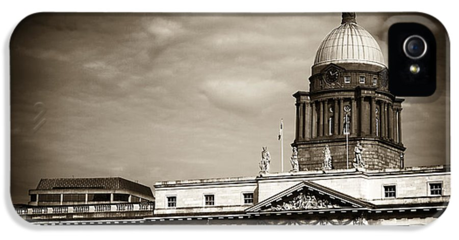 Vintage Custom House IPhone 5 / 5s Case featuring the photograph Vintage Custom House by John Rizzuto