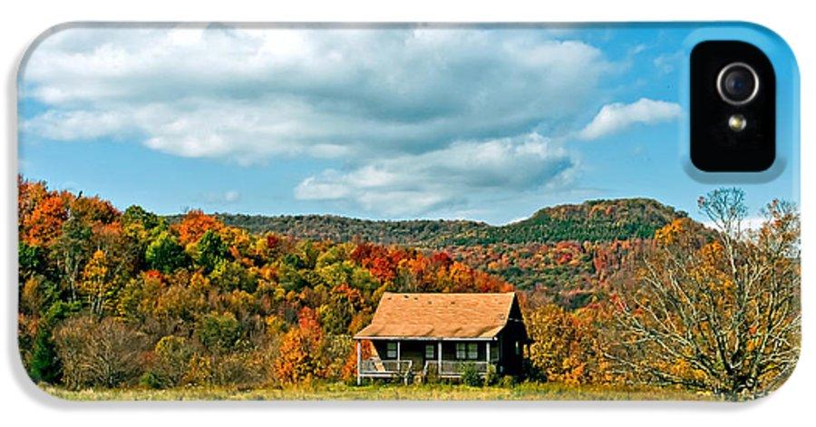 West Virginia IPhone 5 Case featuring the photograph West Virginia Homestead by Steve Harrington