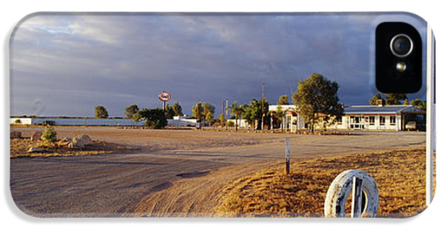 Architecture IPhone 5 Case featuring the photograph Wooramel Roadhouse In Australia by Jeremy Woodhouse