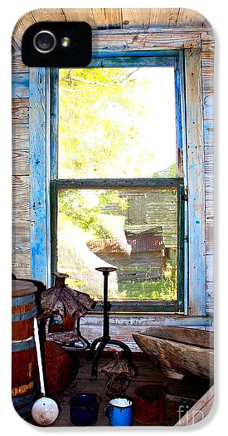 Window IPhone 5 Case featuring the photograph Looking Out by Carol Groenen