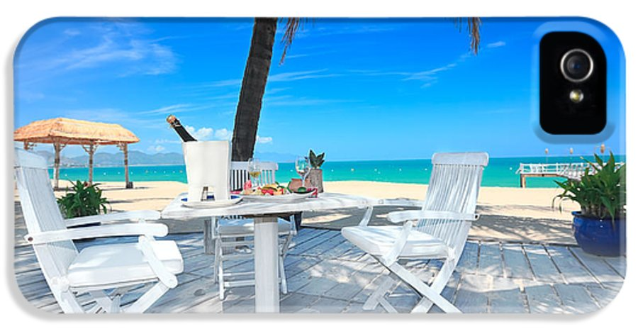 Table IPhone 5 / 5s Case featuring the photograph Dinner On The Beach by MotHaiBaPhoto Prints