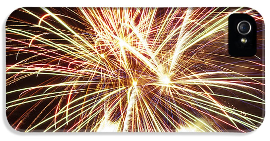 4th IPhone 5 Case featuring the photograph 4th Of July Fireworks by Joe Carini - Printscapes
