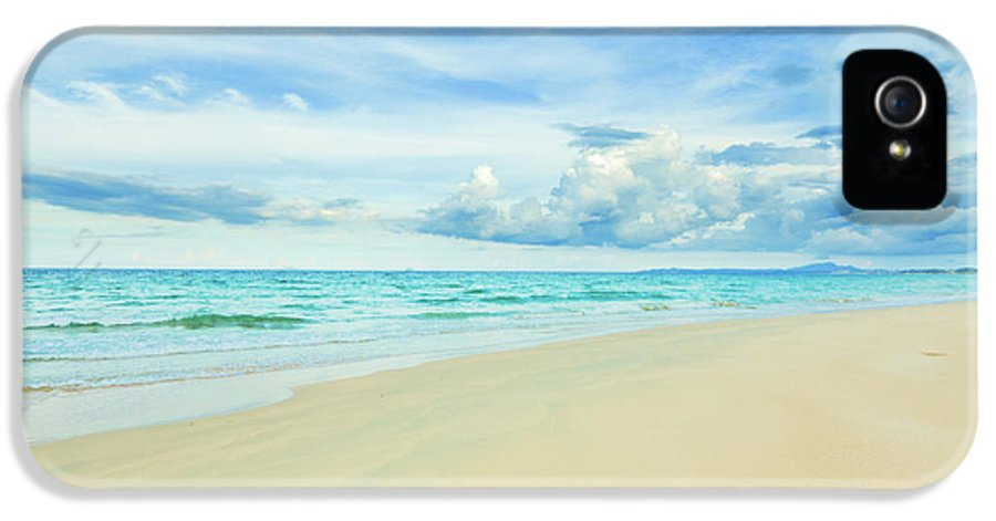 Bahamas IPhone 5 Case featuring the photograph Beach by MotHaiBaPhoto Prints