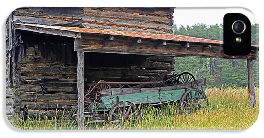 Barn IPhone 5 Case featuring the photograph Another Time IIi by Suzanne Gaff