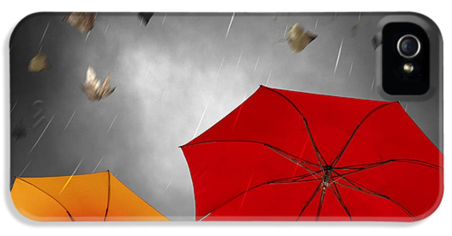 Abstract IPhone 5 / 5s Case featuring the photograph Bad Weather by Carlos Caetano