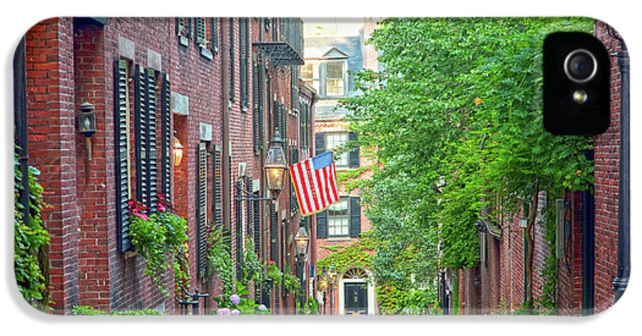 Beacon Hill IPhone 5 Case featuring the photograph Beacon Hill by Susan Cole Kelly