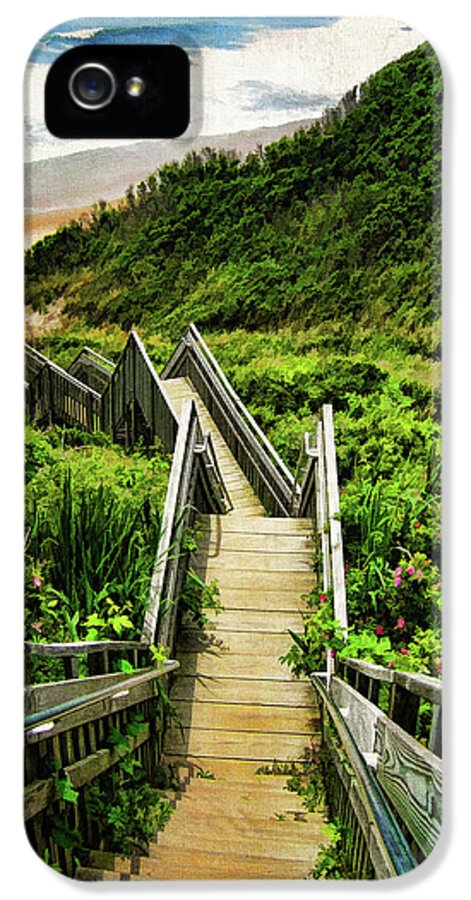 Block Island IPhone 5 Case featuring the photograph Block Island by Lourry Legarde
