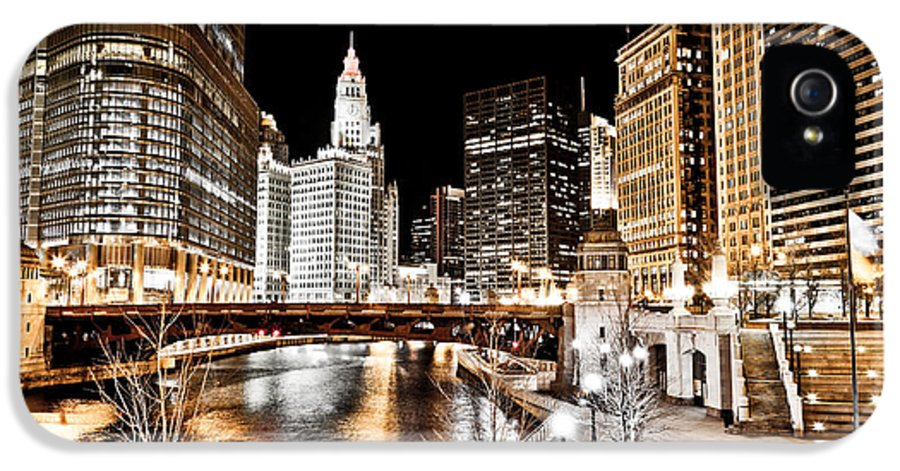 America IPhone 5 Case featuring the photograph Chicago At Night At Wabash Avenue Bridge by Paul Velgos