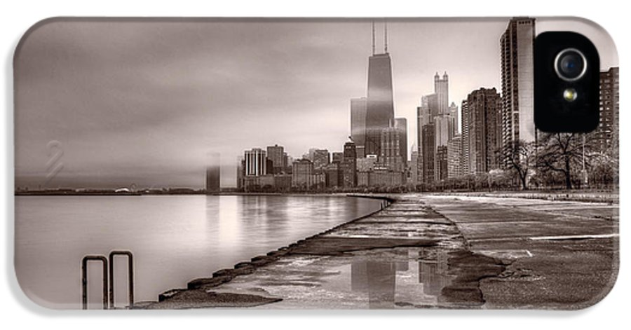 Chicago IPhone 5 Case featuring the photograph Chicago Foggy Lakefront Bw by Steve Gadomski