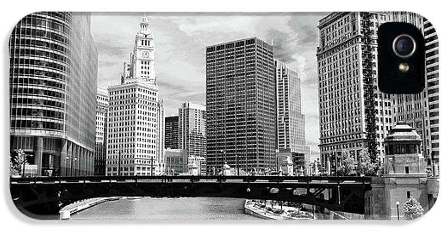 Bridge IPhone 5 Case featuring the photograph Chicago River Buildings Skyline by Paul Velgos