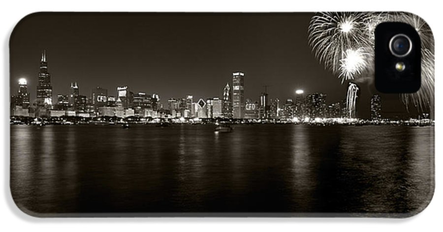 4th IPhone 5 Case featuring the photograph Chicago Skyline Fireworks Bw by Steve Gadomski