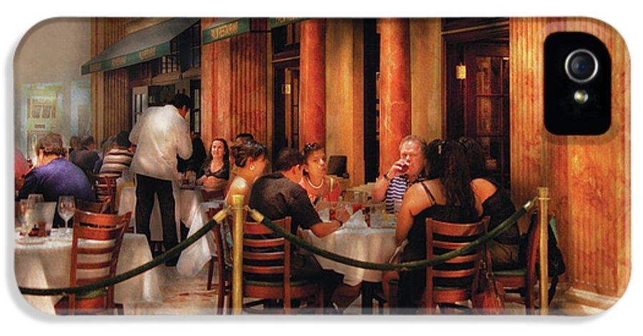 Savad IPhone 5 Case featuring the photograph City - Venetian - Dining At The Palazzo by Mike Savad