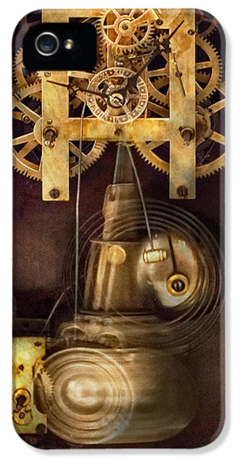 Suburbanscenes IPhone 5 Case featuring the photograph Clockmaker - The Mechanism by Mike Savad