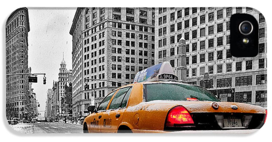 New York City Print IPhone 5 Case featuring the photograph Colour Popped Nyc Cab In Front Of The Flat Iron Building by John Farnan