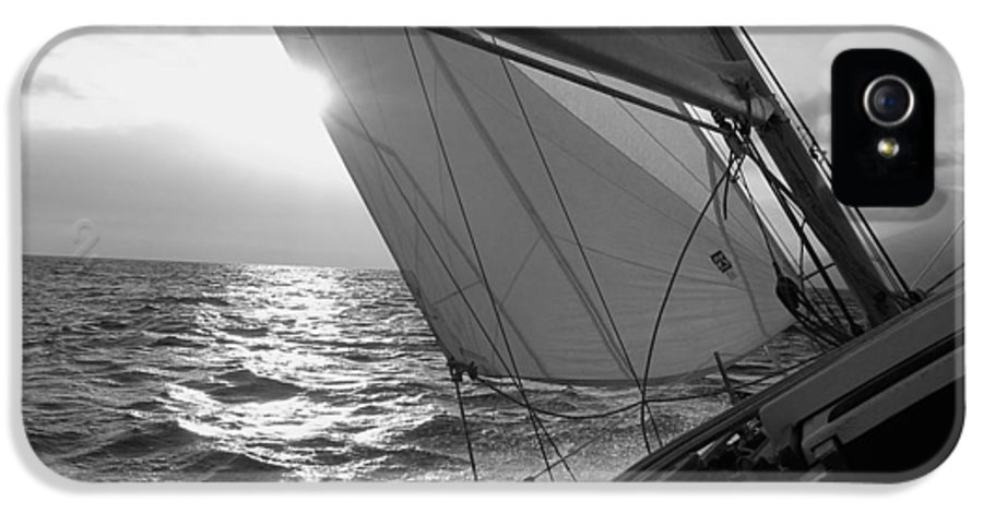 Coquette Sailing Maui Sunset Sails Sailboat Custin Ryan Black And White Water Ocean Spray Yacht IPhone 5 Case featuring the photograph Coquette Sailing by Dustin K Ryan