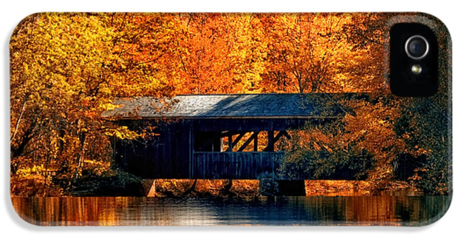 Covered Bridge IPhone 5 / 5s Case featuring the photograph Covered Bridge by Joann Vitali