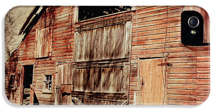 Barn IPhone 5 Case featuring the photograph Doors Open by Julie Hamilton