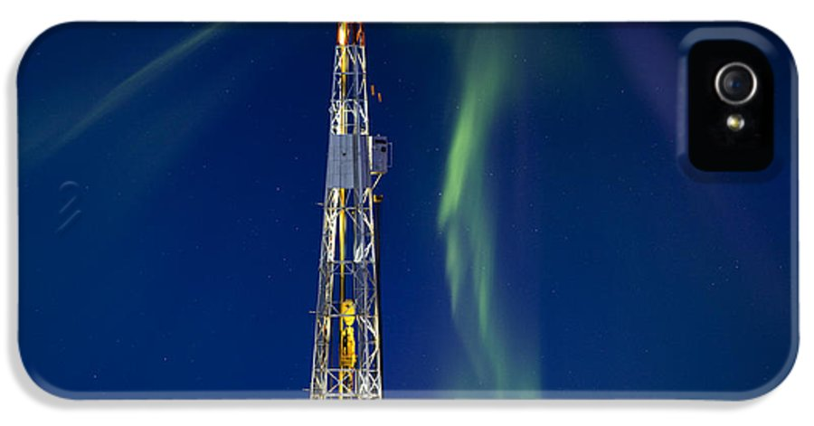 Platform IPhone 5 Case featuring the photograph Drilling Rig Saskatchewan by Mark Duffy