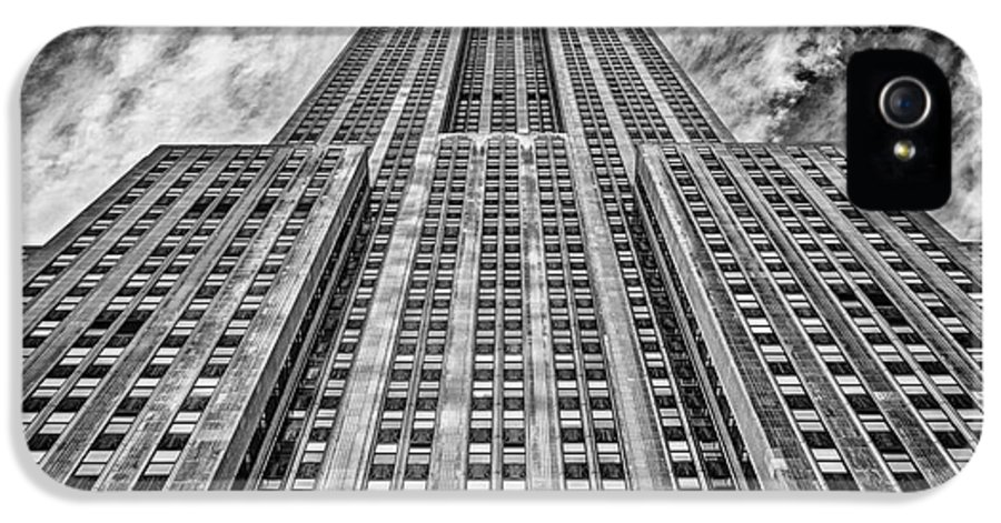 Crazy Nyc IPhone 5 Case featuring the photograph Empire State Building Black And White by John Farnan