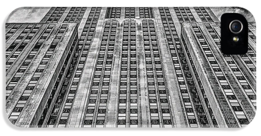 Crazy Nyc IPhone 5 Case featuring the photograph Empire State Building Black And White Square Format by John Farnan