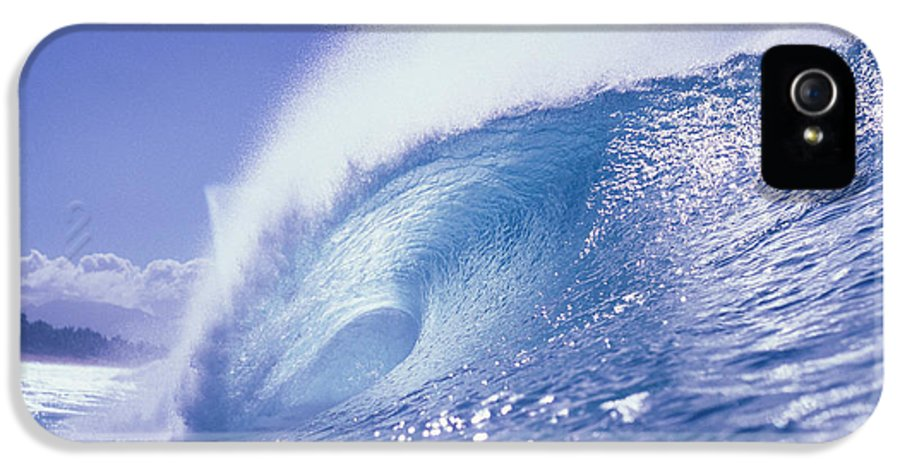 Barrel IPhone 5 Case featuring the photograph Glassy Wave by Vince Cavataio - Printscapes