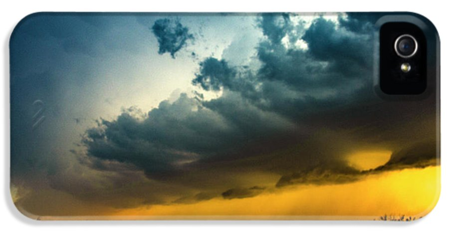 Stormscape IPhone 5 Case featuring the photograph June Comes In With A Boom 012 by NebraskaSC